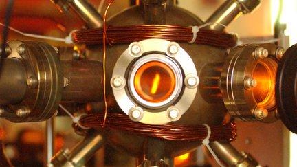 Bose-Einstein Condensate Apparatus