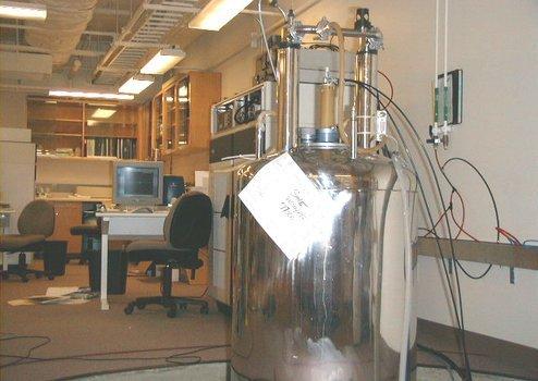 Bruker Avance 200 MHz spectrometer