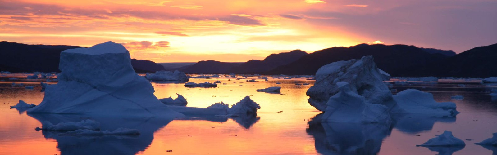 sunset_bay_of_Narsaq_Greenland