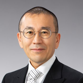 portrait photo of Hirosi Ooguri