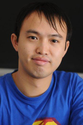 Yi Ni blue tshirt