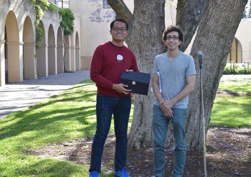 Yan Qi Huan (2019 Winner) with Undergraduate Option Representative Jason Alicea