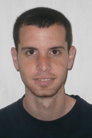 Tuvia Gefen portrait