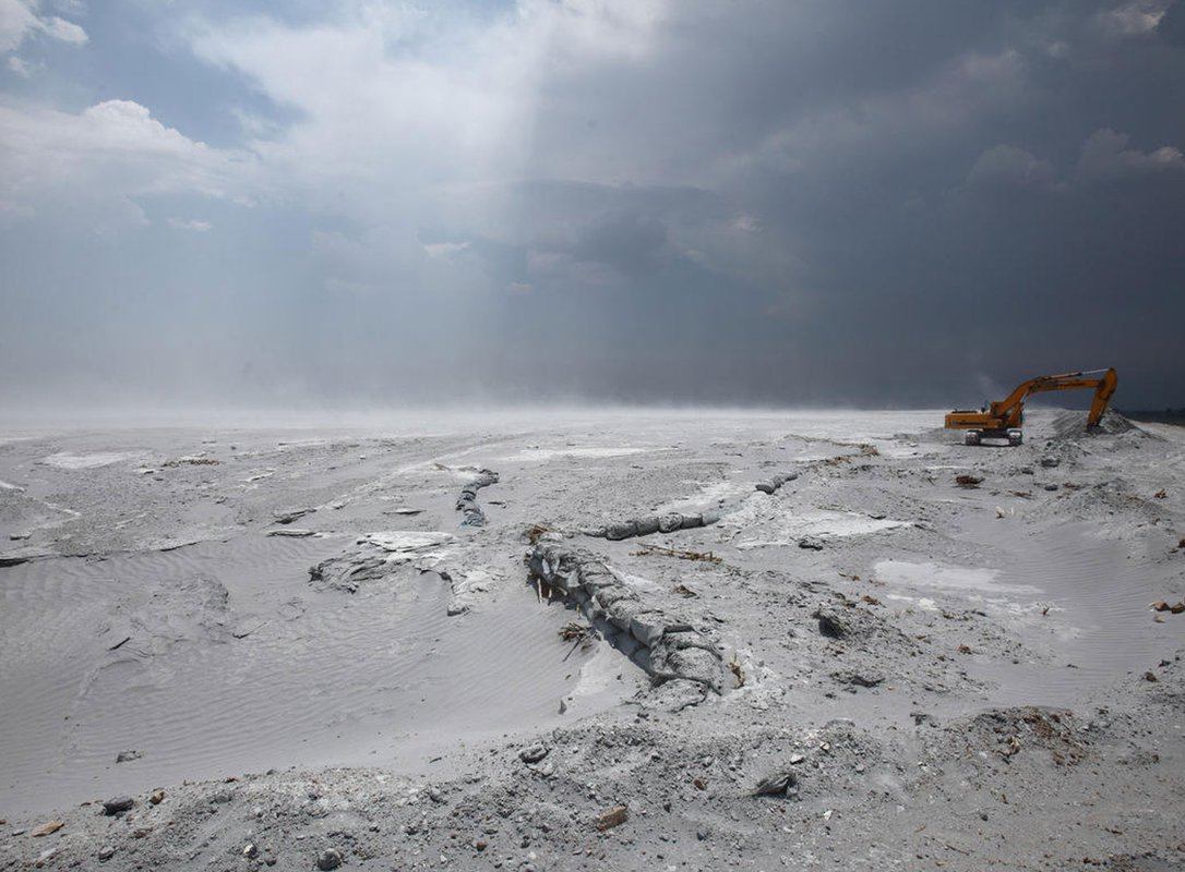Fly ash in the Yangtze Basin