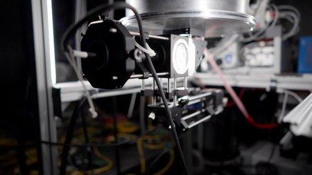 focusing laser system for testing quantum sensors